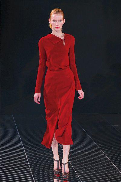 e82e1664b بيوت الأزياء ترسم إتجاهات الموضة لخريف وشتاء 2012-2013 – استراحة حواء