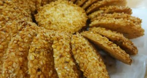 11508-sweet-biscuits-coconut-and-sesame